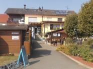 Sanitärgebäude und Restaurant
